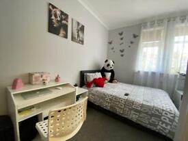 Newly Refurbished 2 bedroom First Floor Flat above shop at Becontree Avenue, Dagenham, RM8