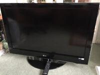 Flatscreen 37 inch LG tv in good working order & condition