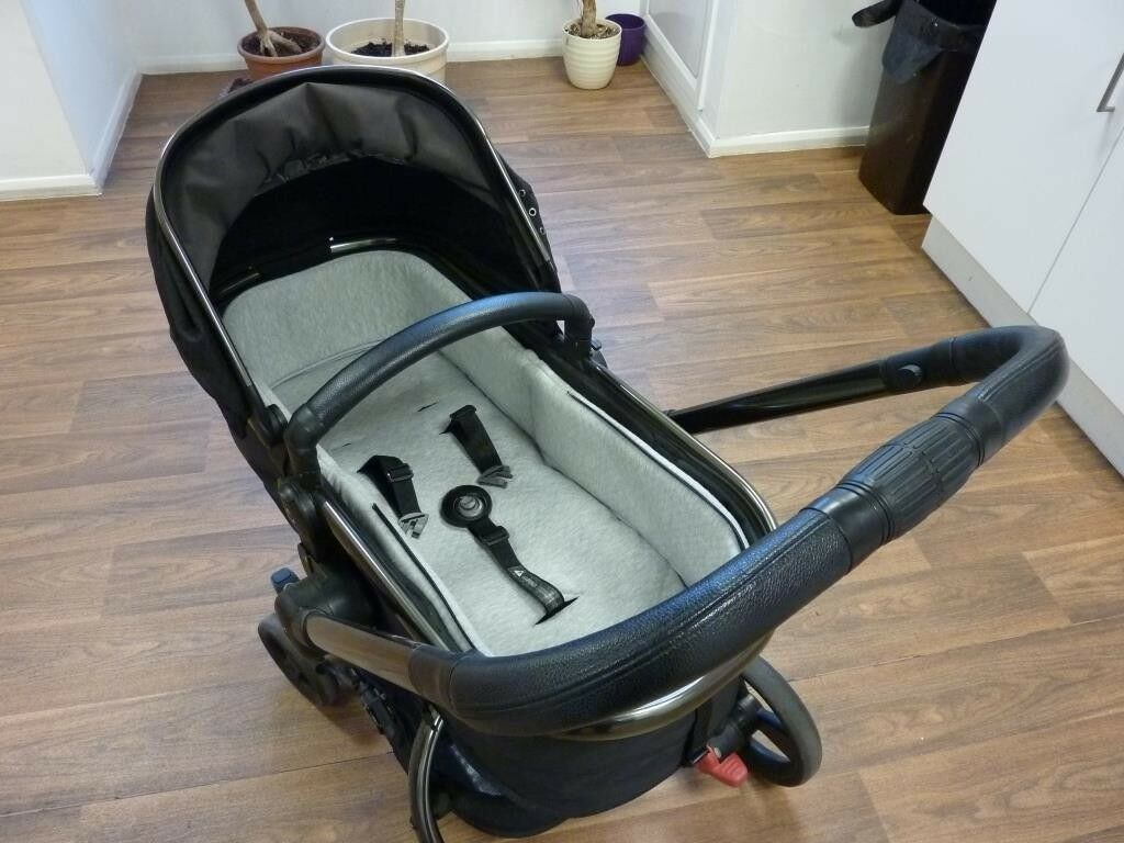 Mothercare 360 Orb pram/pushchair. Excellent condition. Includes accessories.