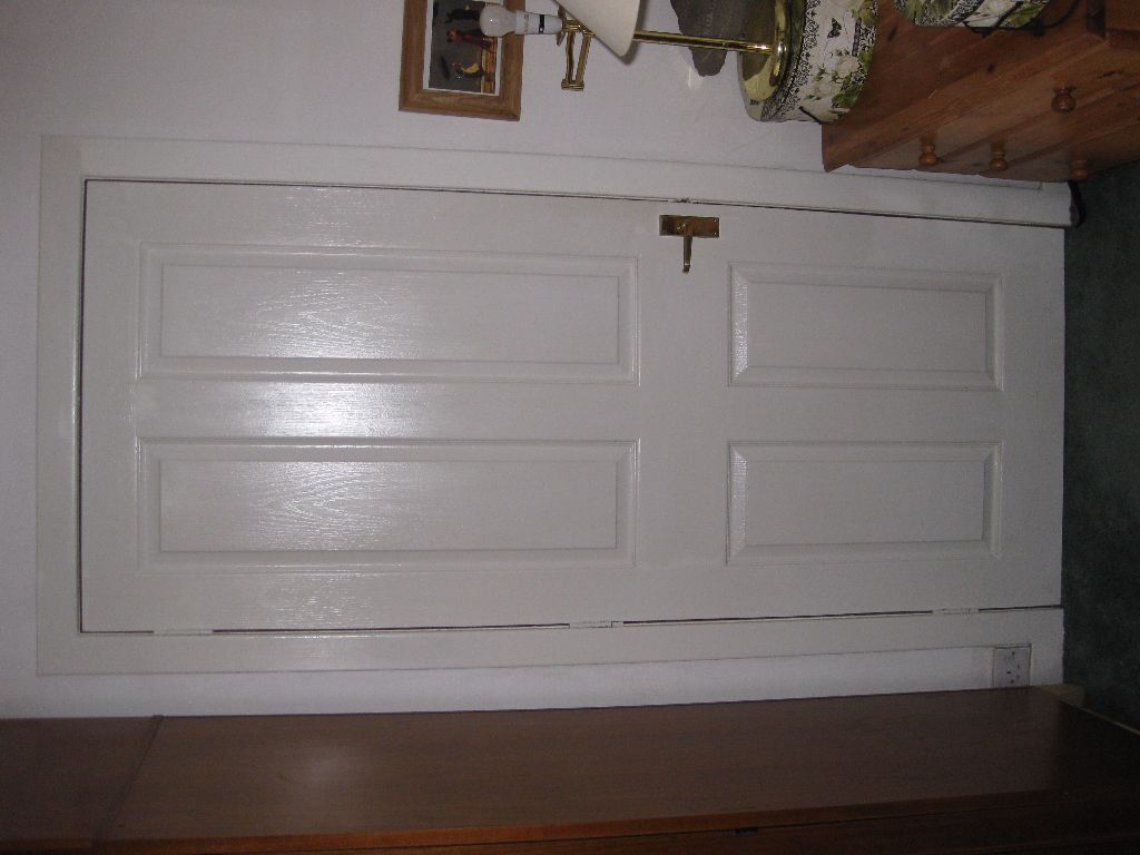 Two white interior doors with chrome handles hinges in - Interior door handles and hinges ...