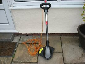 SPEAR AND JACKSON HG500B TELESCOPIC GRASS STRIMMER IN EXCELLENT CONDITION