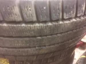 4 pneus d'hiver 225/60/16 Michelin Artic Alpin