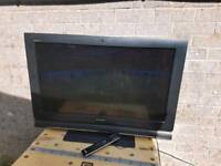 "Sony Bravia LCD 32"" digital tv with brand new remote control in full working order"