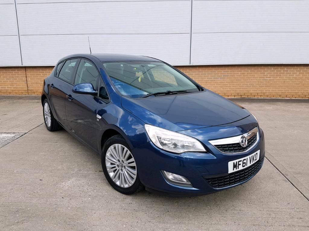 2012 VAUXHALL ASTRA 1.4 EXCITE MANUAL 5 DOOR BLUE NEW SHAPE LOW MILEAGE  F.S.H 1 OWNER