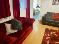 Bills Inclusive Double Room in Professional House Share in City Centre