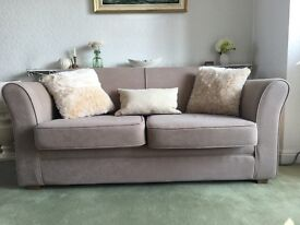 Very Clean hardly used Sofas. Only 1 previous owner from new