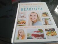 Eat Yourself BEAUTIFUL By Rosanna Davidson - Like new - Collection Only