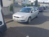 Spares or repaires, Ford Focus, needs new wing and bumper £400