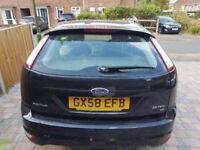 2008 ford focus zetec. 1.6l. petrol. 11 month MOT, Ford audio, panther black colour.