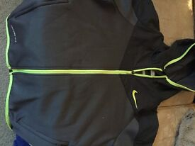 Nike soft shell therma fit boys sport hoodie 12/13
