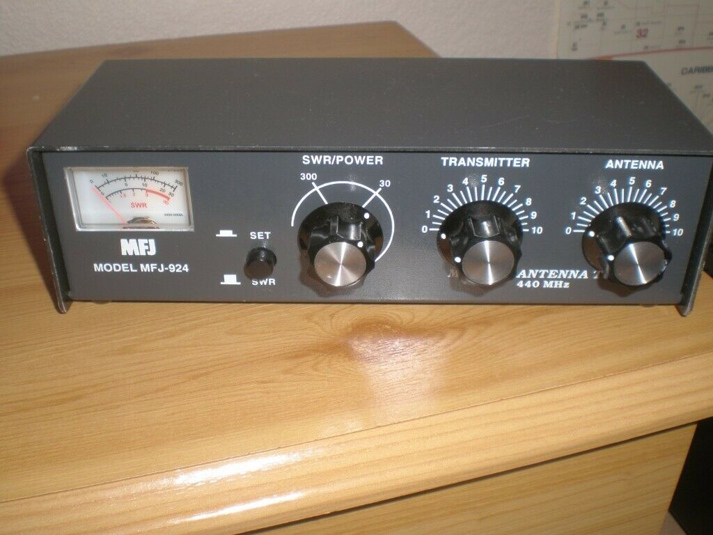 SWR /& Wattmeter 300 Watts 440 MHz MFJ 924 Antenna Tuner 440 MHz