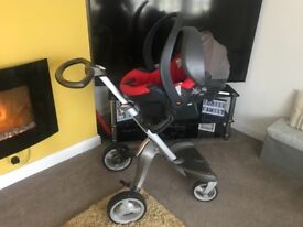 Stokke Xplory V3 with accessories