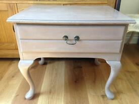 Shabby Chic paint unit side table