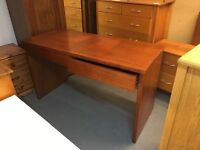 BEAUTIFUL CONDITION OFFICE DESK WITH TWO DRAWERS