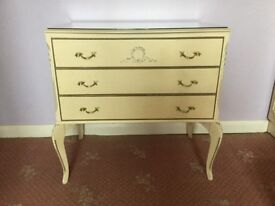Cream vintage chest of drawers