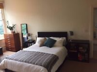 Large sunny double bedroom in great location in West Hampstead