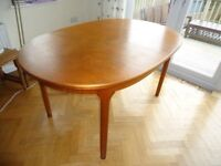 Large table : 1960's vintage McIntosh Extending dining Table Rosewood will seat 6 to 10