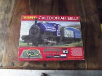 Hornby R1151 Caledonian Belle 00 Guage Electric Train