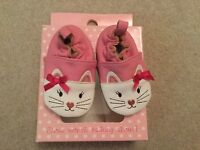 Baby girls Little Chatterbox pink leather cat shoes size 1 brand new in the box