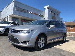 2017 Chrysler Pacifica TOURING,LEATHER,NAV,ALLOYS,HTD SEATS,