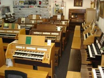 Excellent (eminent) & Domus Orgels -Orgel Center Roosendaal-