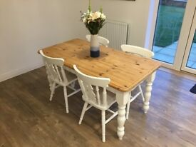 Beautiful White Farmhouse Table & 4 Chairs