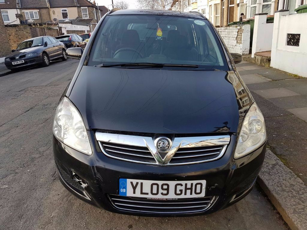 vauxhall zafira 1 9 cdti exclusiv 5dr auto black 09 plate. Black Bedroom Furniture Sets. Home Design Ideas