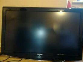 Samsung 40 inch LCD TV **NEEDS REPAIR**
