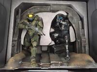 Halo 5 Statue Set Collectors Limited Edition - boxed but no game included