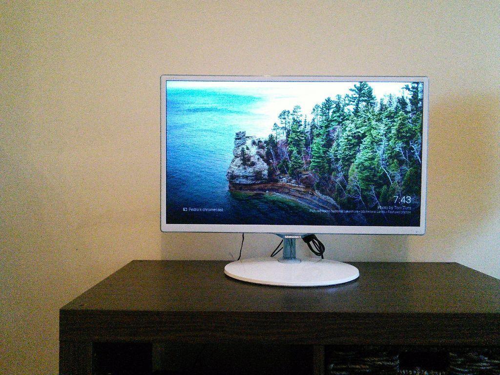 samsung 24 led tv monitor model t24d391 white in. Black Bedroom Furniture Sets. Home Design Ideas
