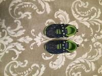 Navy patterned flashing light trainers size 5