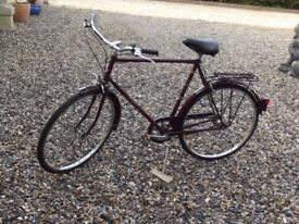RAYLEIGH COURIER VINTAGE 1990 s GENTS CYCLE IN REMARKABLE OUTSTANDING CONDITION GOOD TO GO