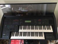 Yamaha EL500 home organ