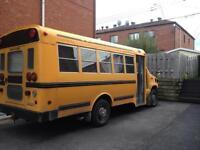 Ford E-350 Diesel Power Stroke (bus)