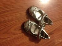 Size 4 grey dress shoes great condition
