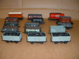 '00' Gauge Hornby/Mainline/Bachmann Model railway goods wagons.