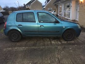 SPARES/REPAIRS CLIO EXPRESSION 2004- New Prestivo tyres. Engine runs perfectly.