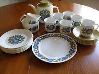 Vintage J&G Meakin Topic Studio Design tea set.