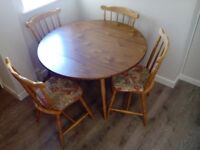 Cottage-style kitchen table and four chairs