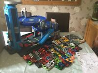 ELC BIG CITY GARAGE WITH 100+ CARS & LARGE PLAYMAT - With instructions - EXCELLENT CONDITION