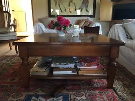 Beautiful wooden coffee table with drawers