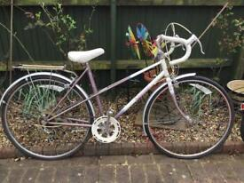 Ladies Raleigh tour bike £30 to clear isleworth