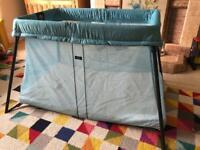 Baby Bjorn Travel Cot in Teal