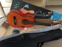 Starter half size guitar for kids – perfect condition