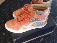 Hi top Vans with rare floral print size 6