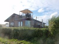 40X20 TINGDEN everglade lodge with rooftop terrace with views of the solent