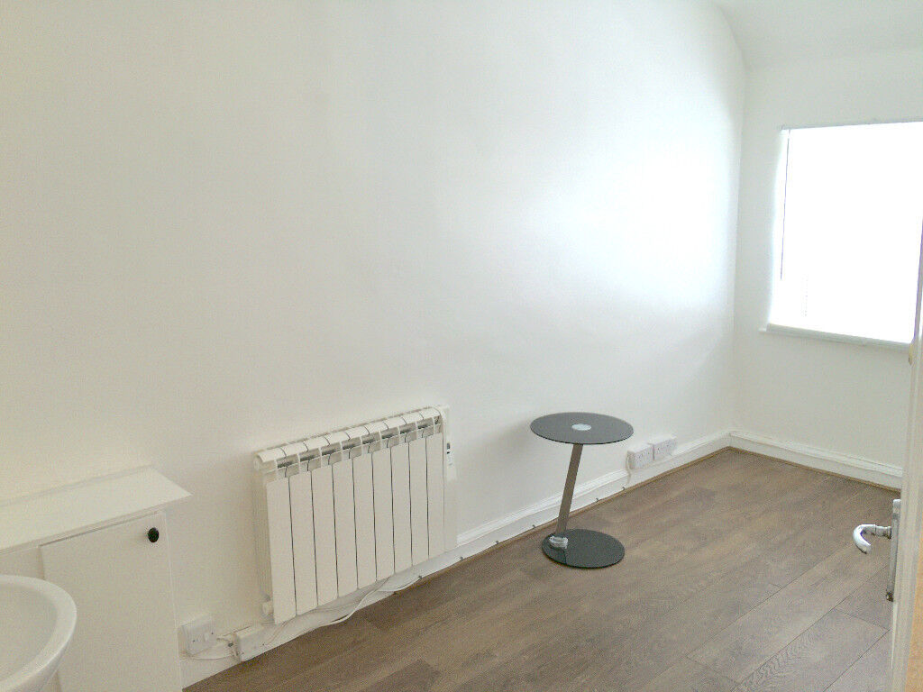 Holistic/Beauty/Business/Studio Space to Rent in prime Solihull location.