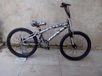 "Magna Punish,22"" wheels BMX"