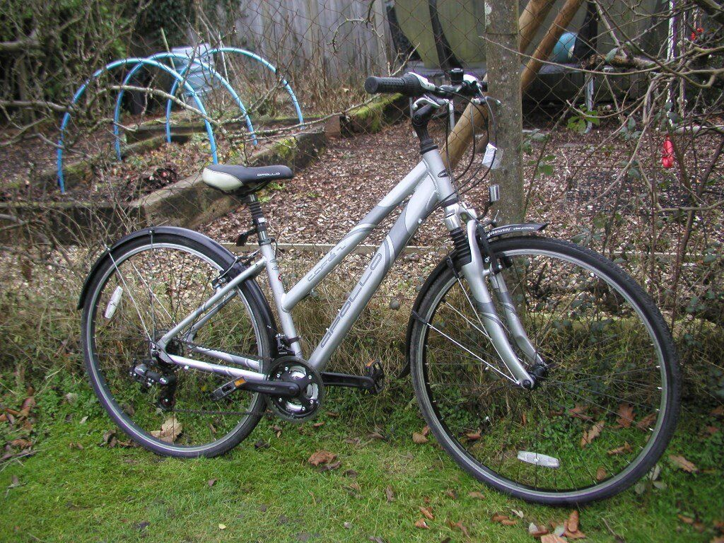 apollo cafe 2 .ladies 16 in alloy frame,hybrid,front suspension,runs perfectly,superb condition
