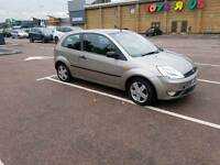 FORD FIESTA 2004 1.2 ZETEC. EXCELLENT CONDITION. GREAT DRIVE. CHEAP!!!